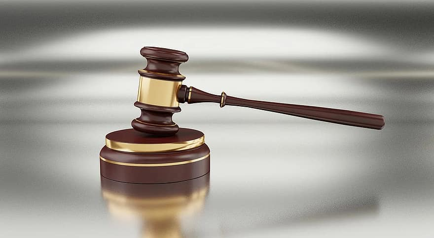 gavel-auction-hammer-justice-legal-judge-law-court-lawyer-12164314.jpg